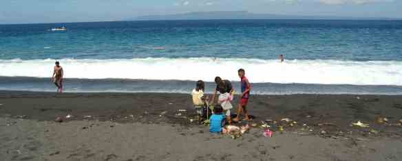 Brudne plaze Bali